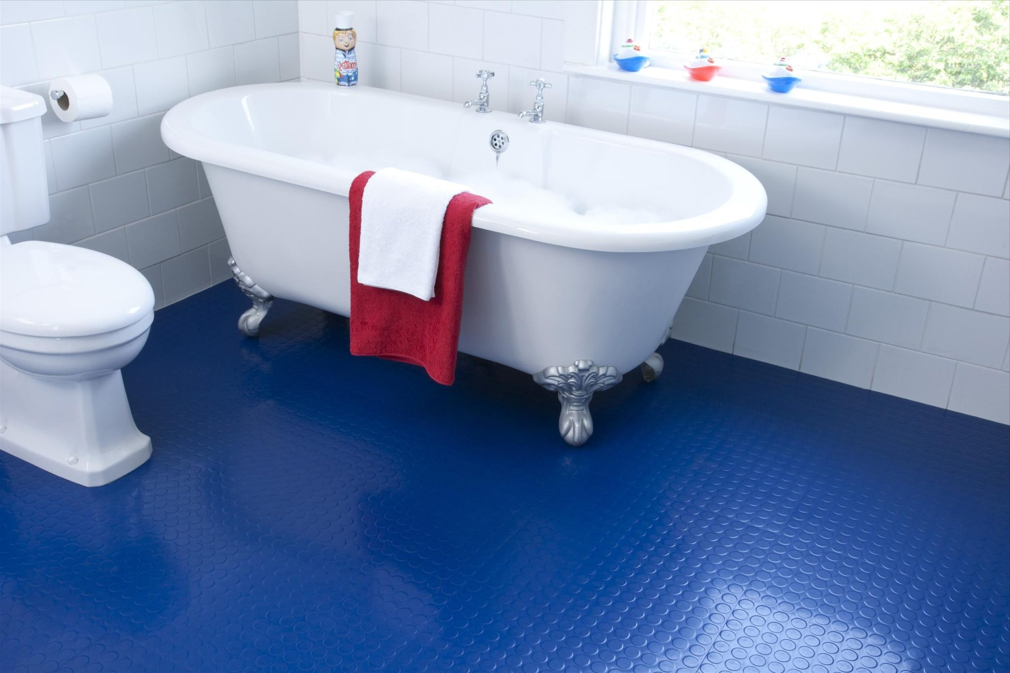 Superbe Bathroom Flooting Blue ...